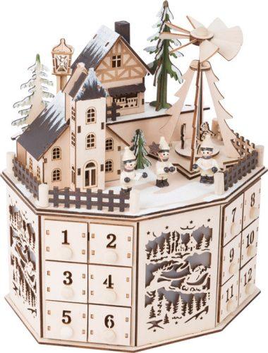 Karácsonyi táj, fa adventi naptár szélforgóval