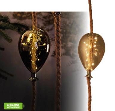 Kötélre fűzött lufi lámpa