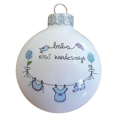 """Kisfiúknak """"Baba első karácsonya"""" feliratú, matt fehér gömb, 8 cm-es. Rendelje névvel és akár dátummal!"""