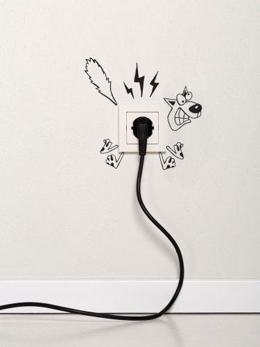 Konnektor köré rakható falmatrica (áramrázós)